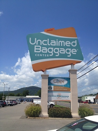 unclaimed_luggage_center